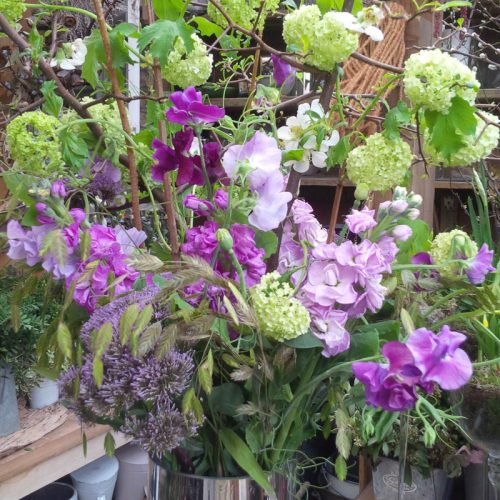 contract-flower-display-by-blue-lavender-london-florist-6