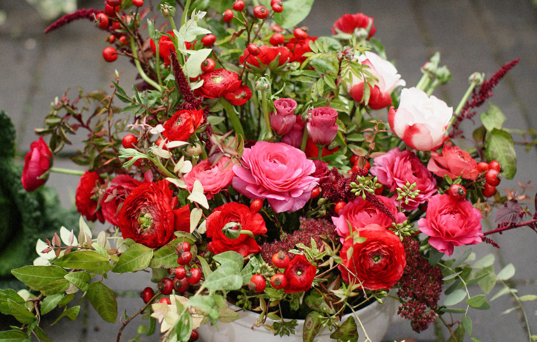 Red and pink flower arrangement by Blue Lavender London florist