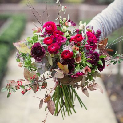 Les baies rouge bouquet by Blue Lavender Florist London