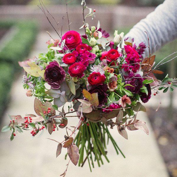 Les baies rouge bouquet by Blue Lavender Florist London